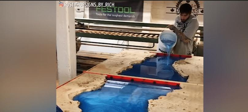 mesa de porcelanato líquido